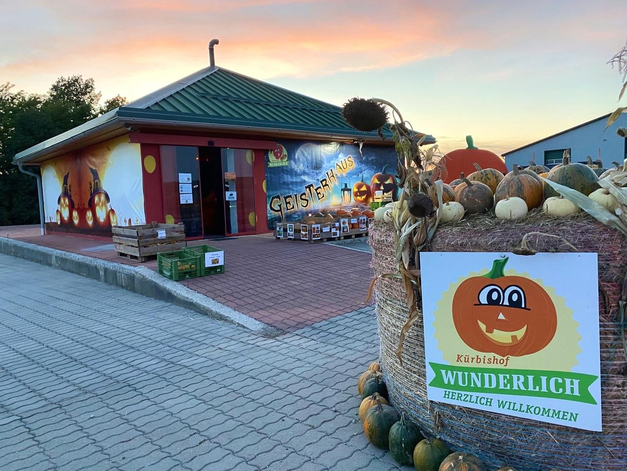 Erdbeerhof Wunderlich - Geisterhaus Kürbisland